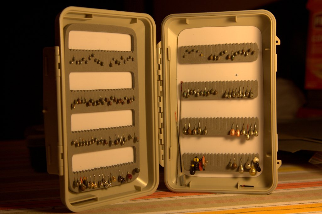 коробка с мормышками 1